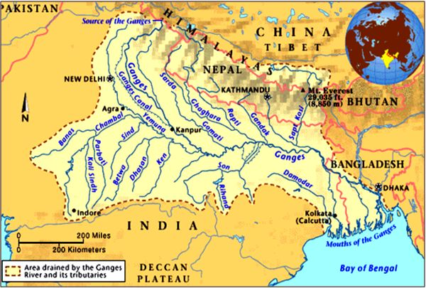 map  showing India's famous Ganges river and the little rivers flowing into it
