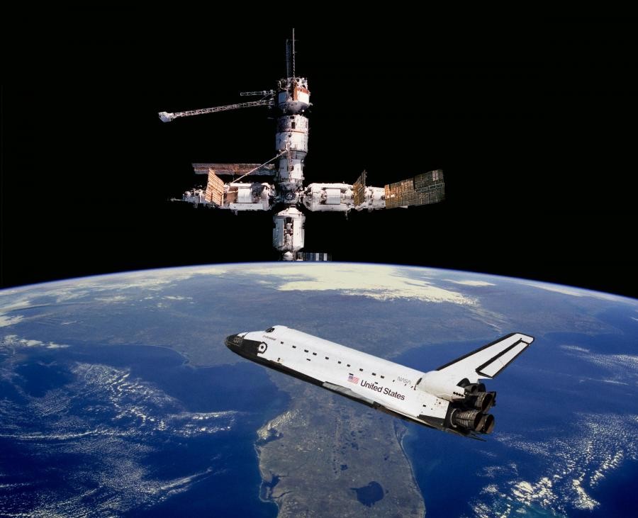 [Image: shuttle-spacestation.jpg]
